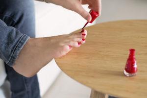 richtiges Lackieren der Füße und Nägel