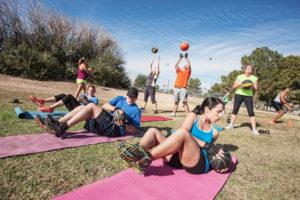Fitnesstraining im Freien
