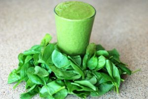 green-smoothie-aus-spinat