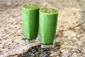 zwei-gruene-smoothies