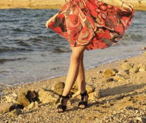 Am Meer schöne Beine haben