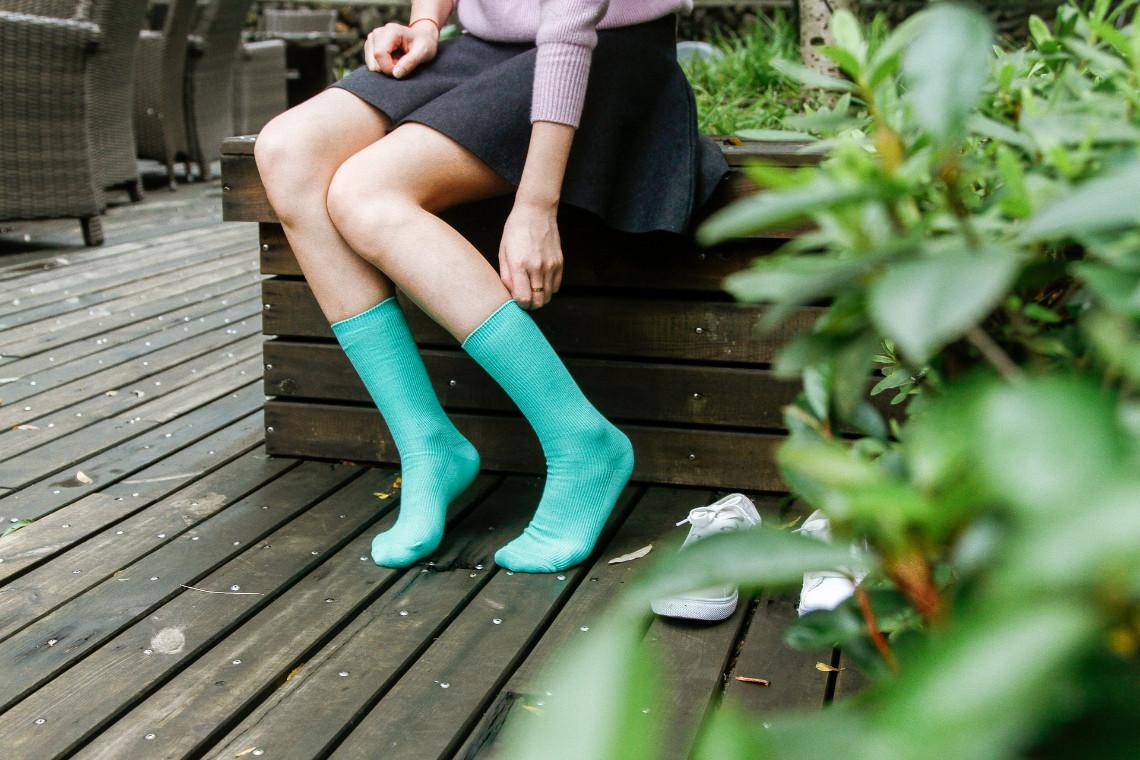 Socken mit Schuhen tragen