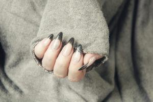 Fingernägel aus Gel selbst machen